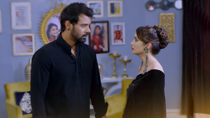 Tanu And Abhi In A Still From Kumkum Bhagya